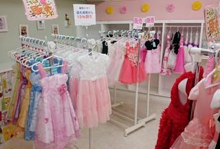 子供用ドレス、子供用タキシード、子供用ワンピース、ベビー用ドレス、ベビー用タキシード、ベビー用品が今なら最大20%OFFです