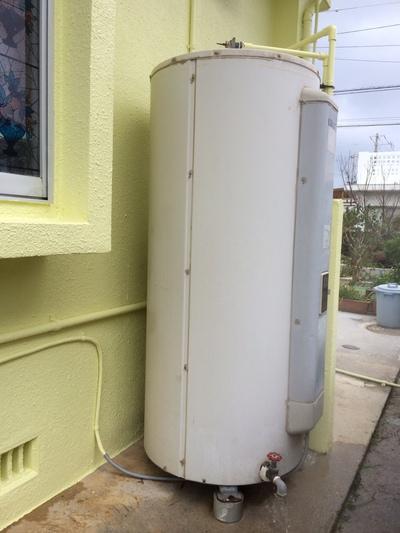 電気温水器からエコキュート T様邸 沖縄市泡瀬