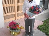 ご卒業祝いの花束と寄せ鉢