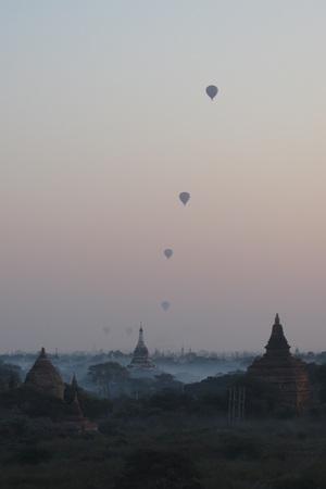 ミャンマー・バガンの熱気球