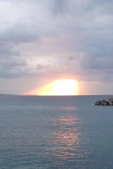 名護湾の夕日